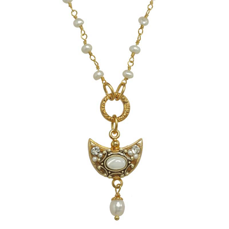 Elegante Half Moon Necklace
