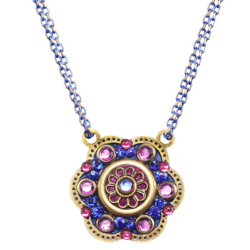 Breezy Night Medium Flower Necklace