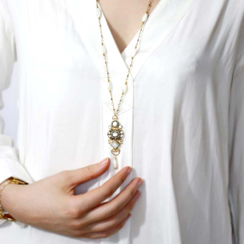 Elegante Long Necklace