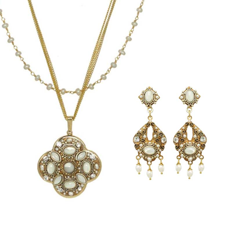 Elegante Necklace and Earrings Set