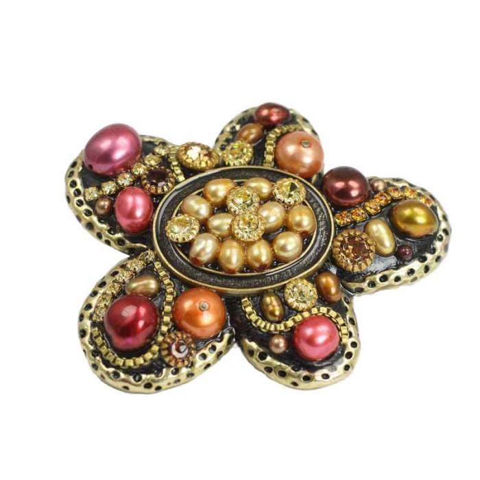 Autumnal Pearl Flower Pin